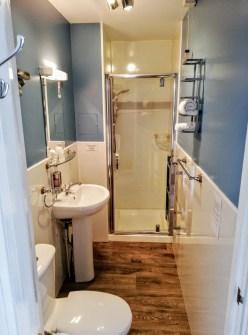 Treventon Guest House Bathroom