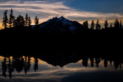 Glacier Peak Silhouette Web
