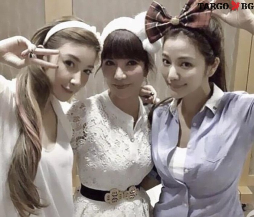 Майка и 2 дъщери