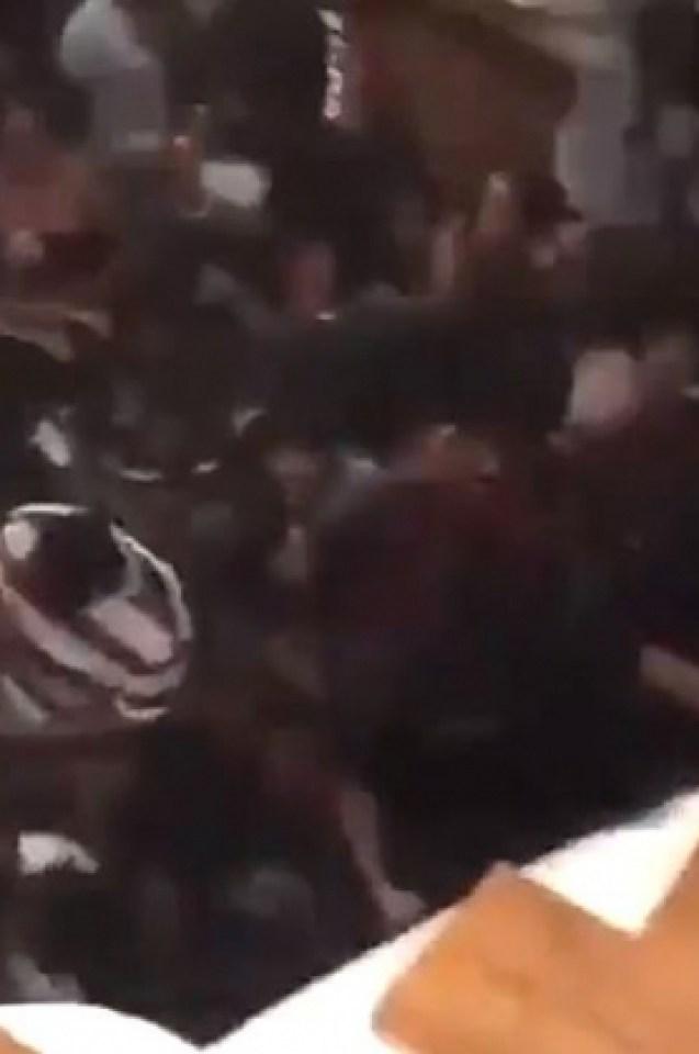 Вижте ужасяващия момент, в който подът пропадна под танцуващи хора (СНИМКИ/ВИДЕО 18+)