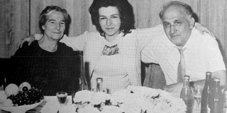 """Разкриха мистерията около внезапната смърт на Людмила Живкова, намесени са КГБ, тайнствен пръстен и """"Велик духовен аватар"""""""
