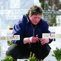 Помните ли убитите сестри Белнейски: Какво се случва с почернената им майка 13 години след бруталното престъпление
