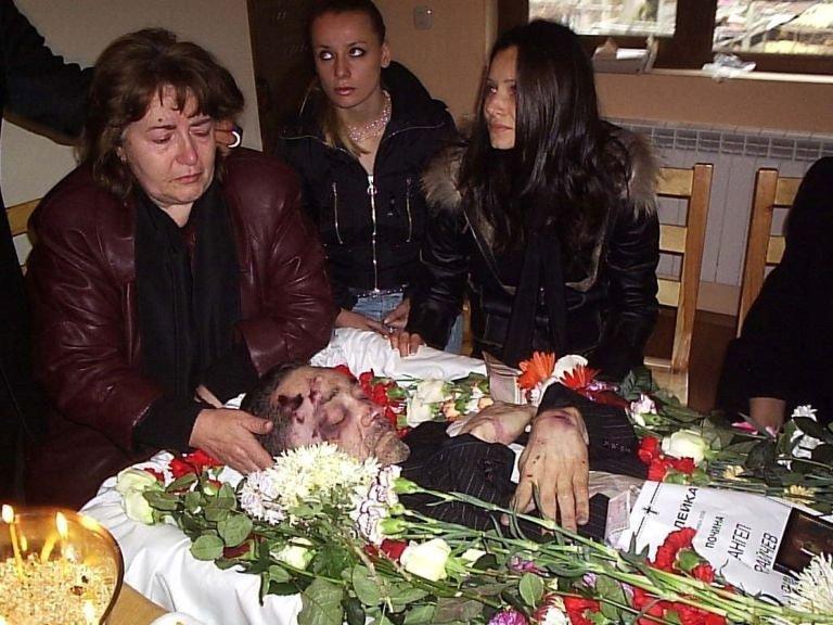 Скриха аутопсията на починалия британец (2)