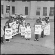 31 - Children with signs