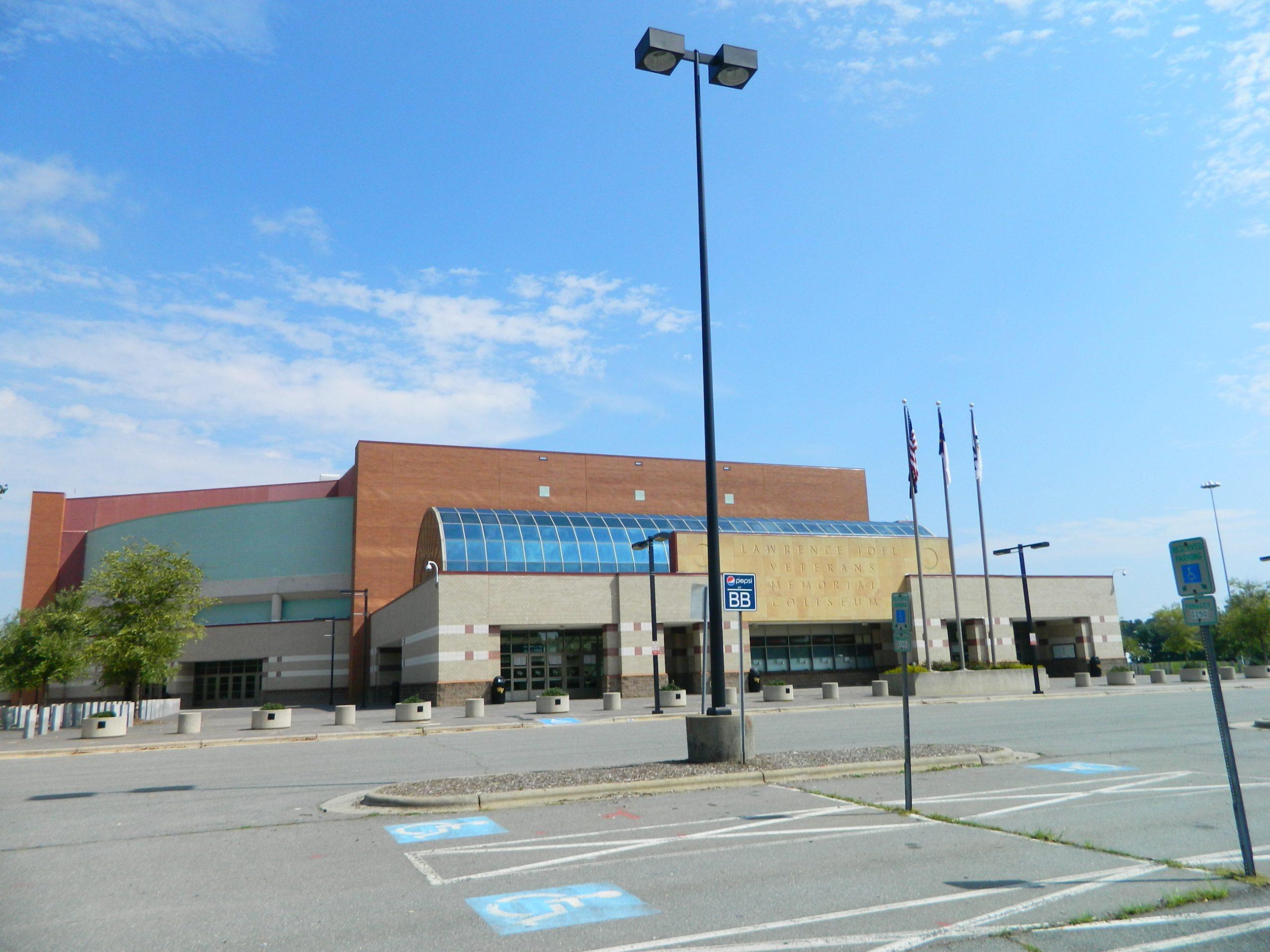 [Image: Lawrence-Joel-Veterans-Memorial-Coliseum...;amp;ssl=1]