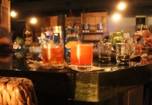 drinks-on-the-bar-at-vintage-sofa-bar