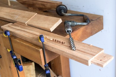 Through mortise in leg for stretcher