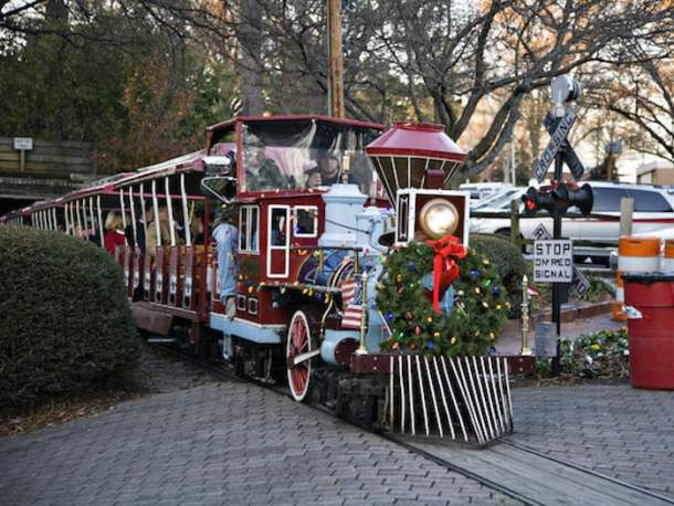 Pullen Park Christmas 2019.Tickets For Pullen Park S Holiday Express On Sale July 30th