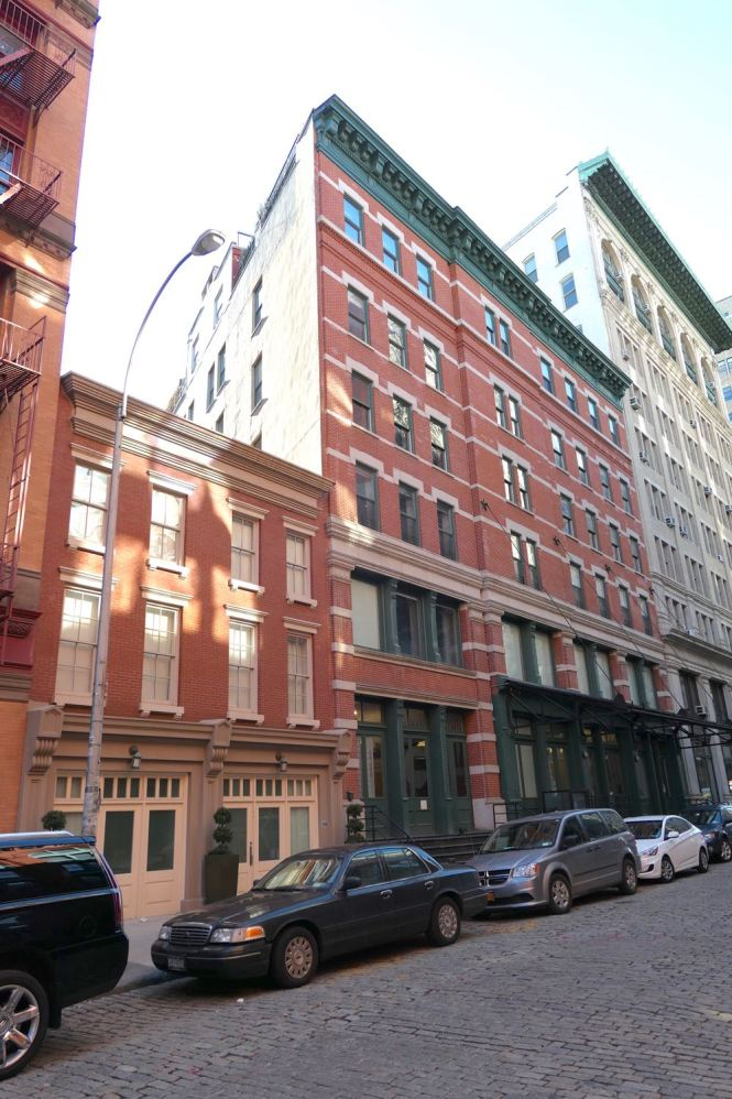 Taylor Swift Yet Another Apartment