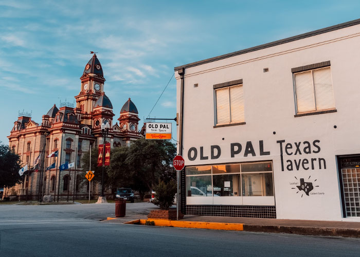 Old Pal Texas Tavern