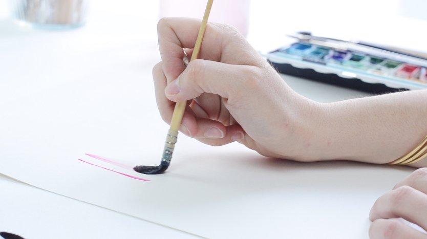 mélange de couleurs à l'aquarelle - tester sur un papier