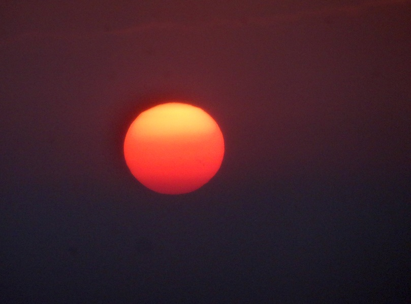 rouge lundi soleil février