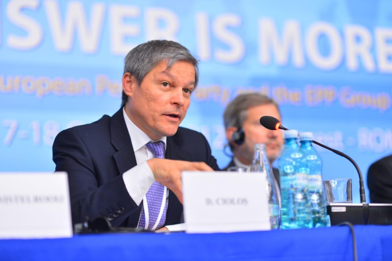 Noua starletă a stângii hipsterești: creștin-democratul Cioloș s-a învârtit din nou!