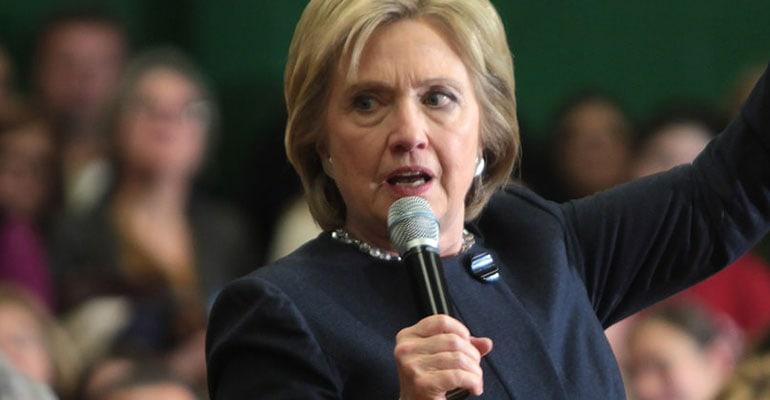 Hillary Clinton o ia pe calea rebeliunii