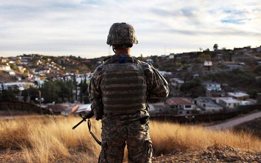 Donald Trump: Militarii vor rămâne la frontiera cu Mexic `atât cât va fi necesar`