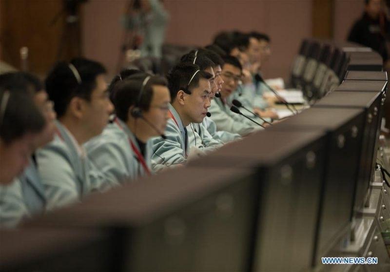 China a reuşit prima aselenizare realizată vreodată pe faţa nevăzută a Lunii (FOTO)