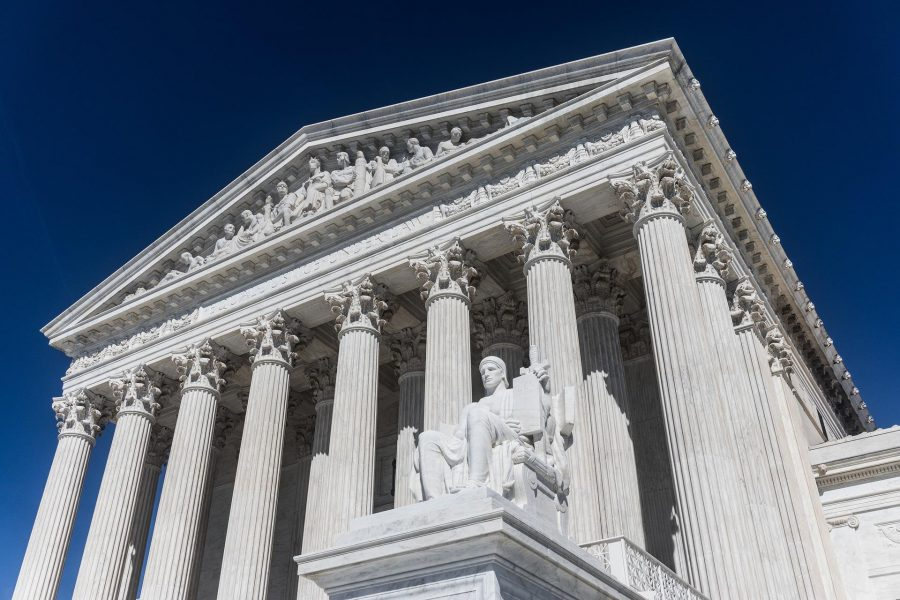 Toți ochii pe Curtea Supremă a Statelor Unite
