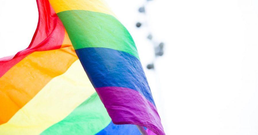 Legea Egalității care plasează orientarea sexuală deasupra libertății religioase trece de Comisia Juridică a Camerei