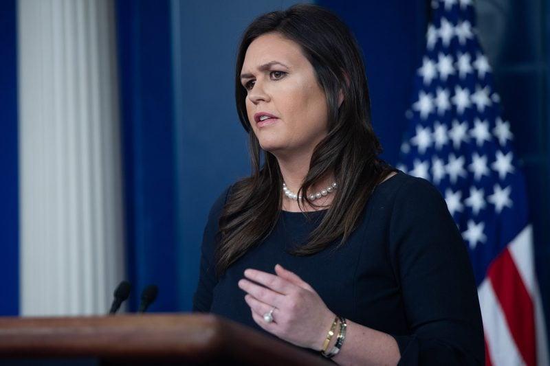 Donald Trump anunţă plecarea purtătoarei de cuvânt a Casei Albe, Sarah Sanders