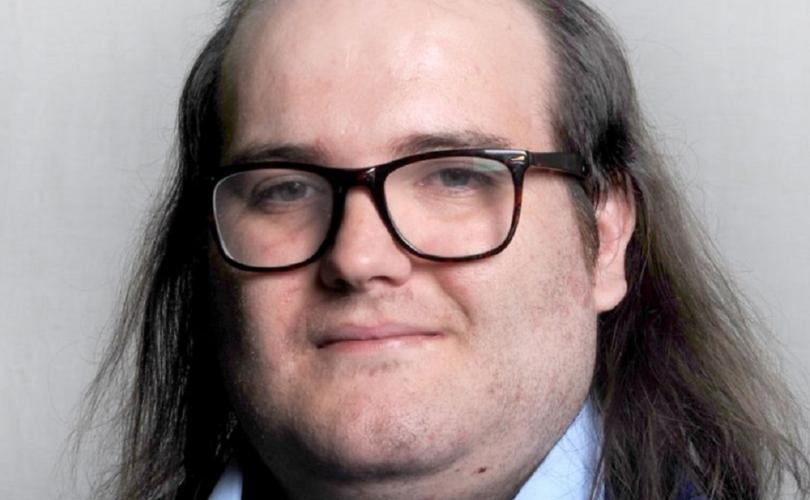 Politicianul britanic care milita pentru toalete neutre, acuzat de abuz sexual asupra minorilor