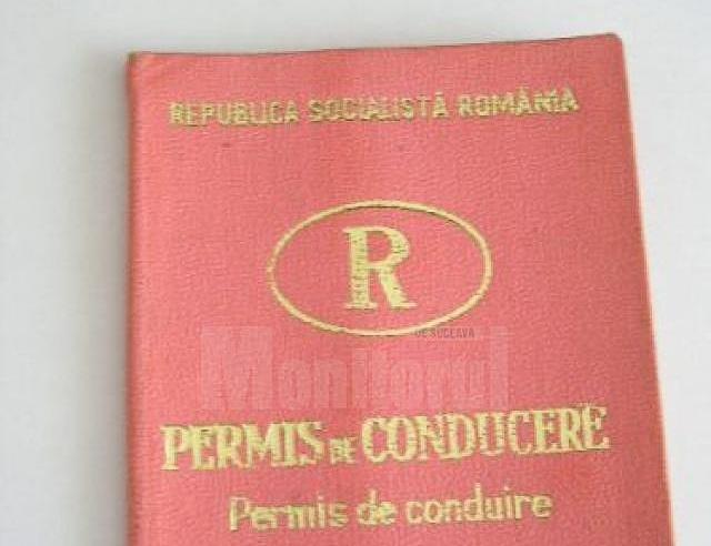 Șofer prins că circula cu un permis emis de Republica Socialistă România