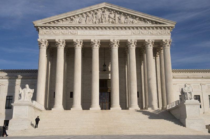 """Curtea Supremă așteptată să se pronunțe pe redefinirea """"sexului"""" ca """"identitate de gen"""""""