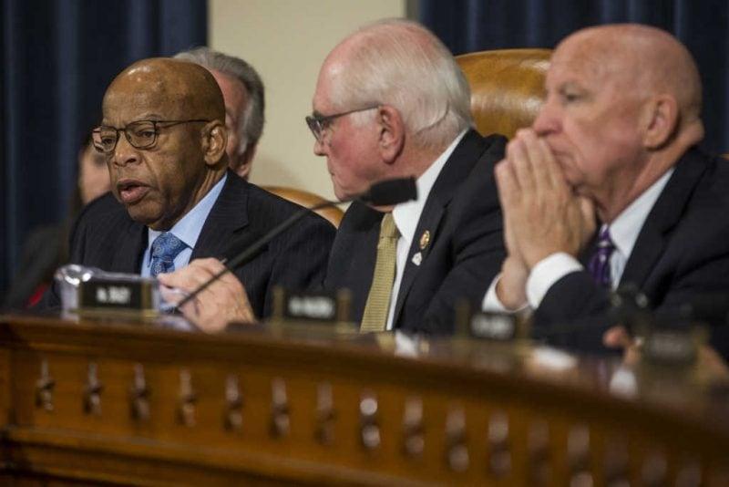 Democrații atacă statutul economic al organizațiilor nonprofit creștine