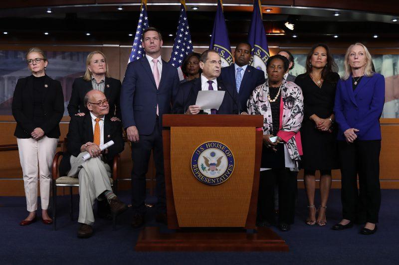 Democrații joacă moneda acuzării doar pentru a-și consolida puterea