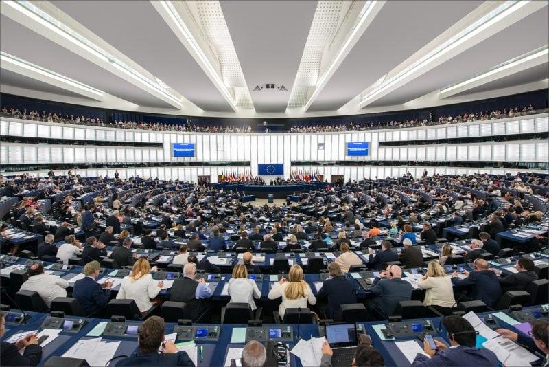 Parlamentul European denunță încălcările libertății religioase din Algeria
