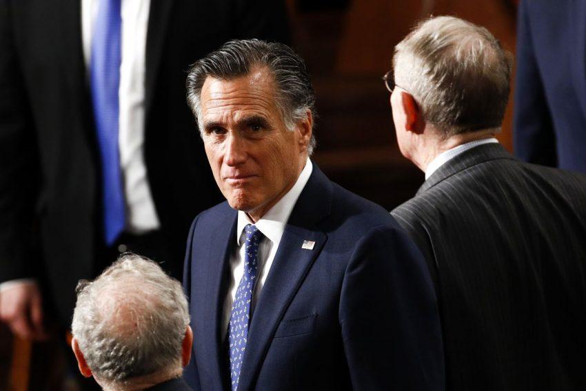 Donald Trump, trădat de Mitt Romney