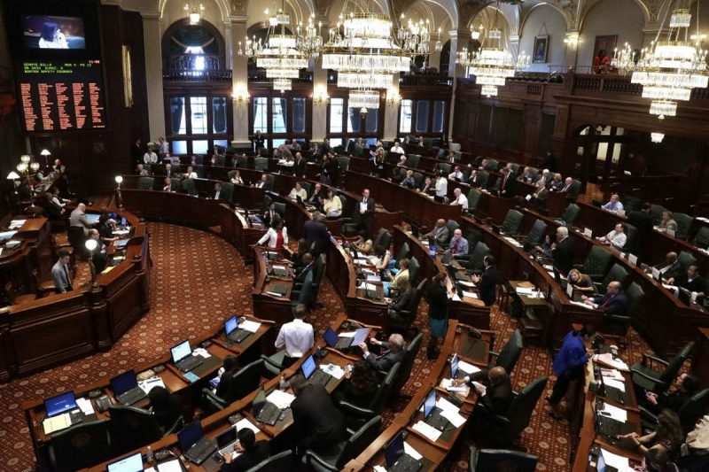 Illinois: Democrații continuă atacurile împotriva drepturilor parentale și libertății religioase