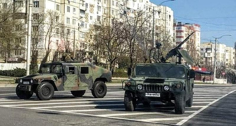 """Ministrul Apărării de la Chișinău, despre mitralierele și mașinile blindate de pe străzi: """"Îmi asum responsabilitatea pentru acest pas"""""""