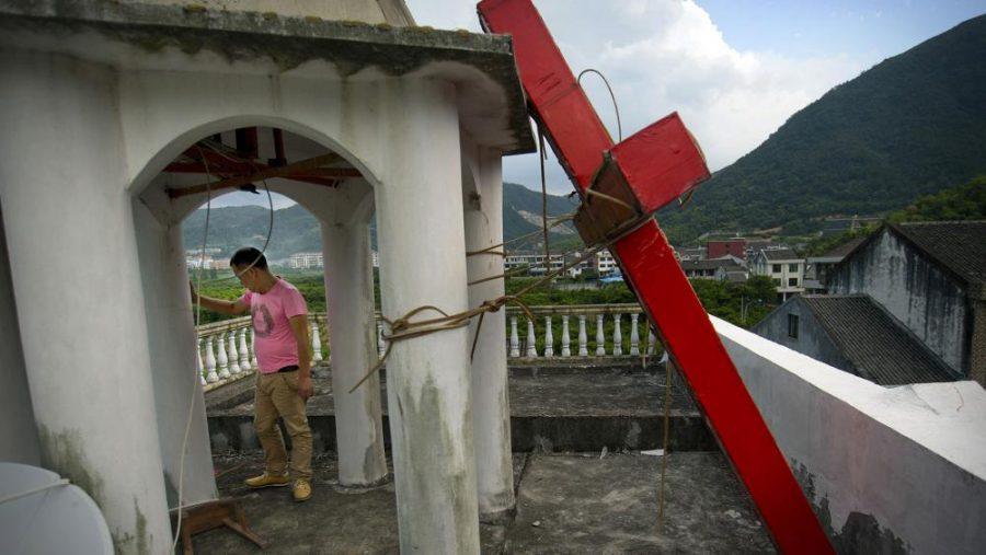 China încearcă eradicarea creștinismului