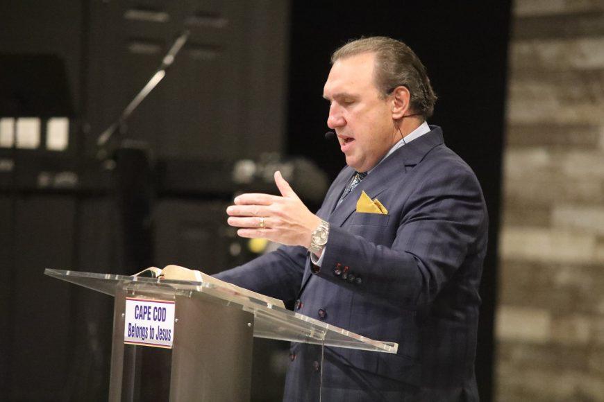 Cazul pastorului arestat în Florida se dovedește a fi abuz de putere și manipulare împotriva Bisericii