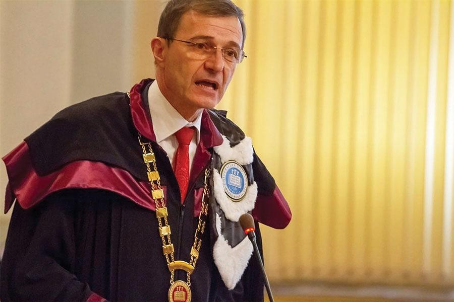 Președintele Academiei Române: Unor conducători ai noștri le-a cășunat pe bătrâni. Ce să faci cu unii neputincioși și socotiți inutili