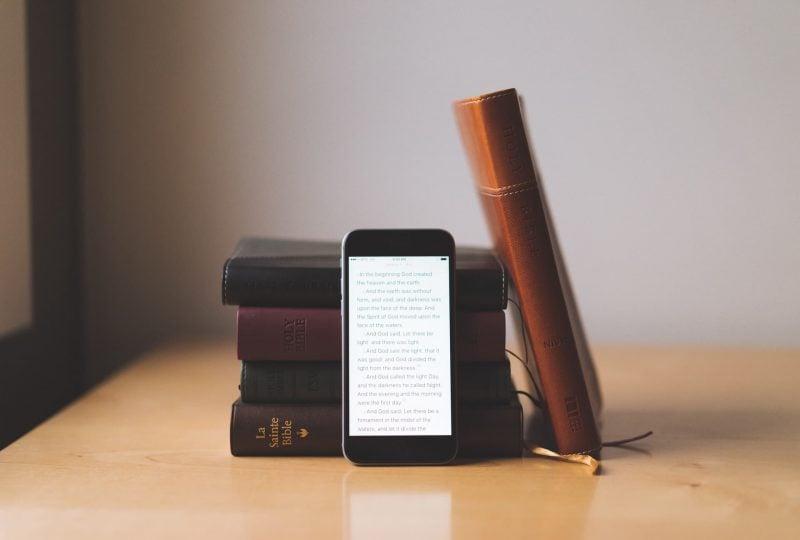 Efectele pozitive ale izolării: Citirea Bibliei a crescut cu 54%