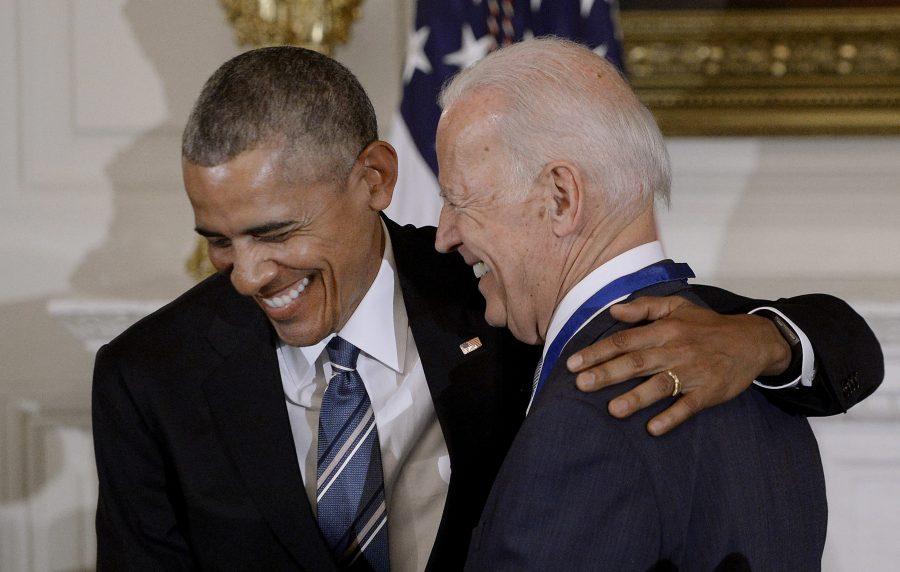 Obama îşi anunţă sprijinul faţă de fostul său vicepreşedinte Biden în cursa pentru Casa Albă