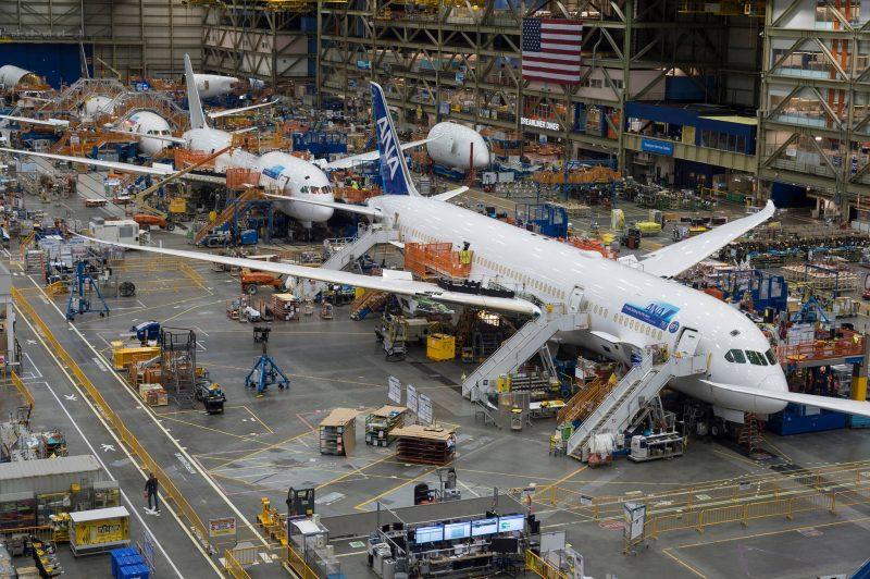 Boeing reia producția de avioane comerciale în Seattle
