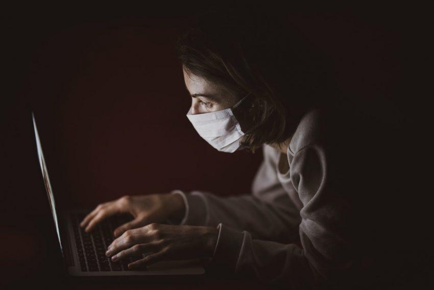 Creștinii și conspirațiile coronavirus: Credulitatea nu este un dar spiritual