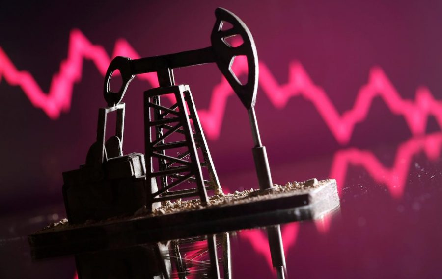 Cotaţia barilului de petrol a scăzut sub 15 dolari, pe fondul incertitudinilor provocate de pandemie