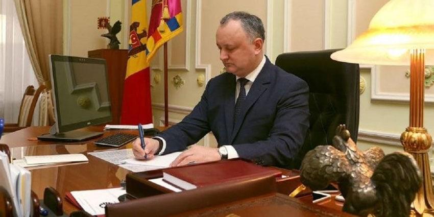 Igor Dodon amenință presa din Republica Moldova susținută de România