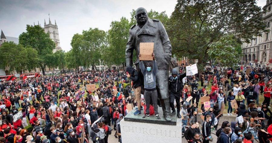UK: Activista care susține înlăturarea statuii lui Winston Churchill nu știe cine a fost acesta