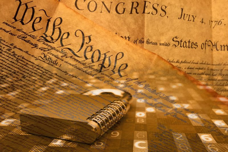 În vremuri de criză, oficialii aleși trebuie trași la răspundere după un singur standard – Constituția