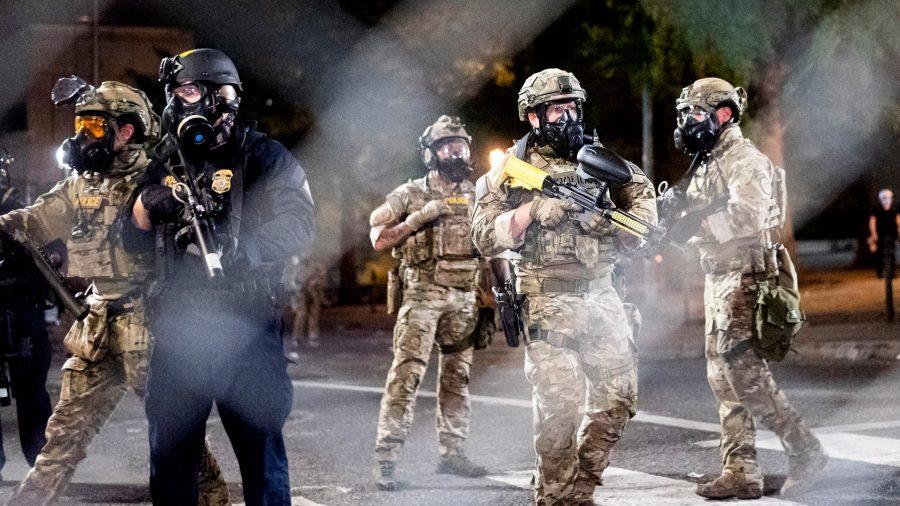 Chicago: Federalii arestează trei persoane implicate în violențe armate