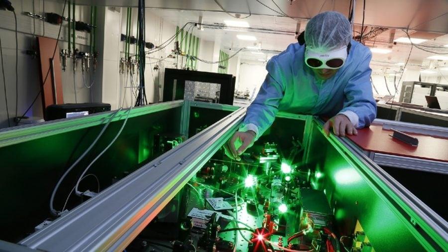 În premieră, laserul românesc de la Măgurele este solicitat de SUA în lupta anti-COVID