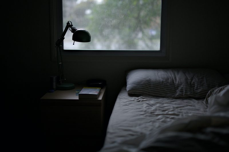 CDC: Izolarea a produs o rată a sinuciderilor mai mare decât rata mortalității COVID-19