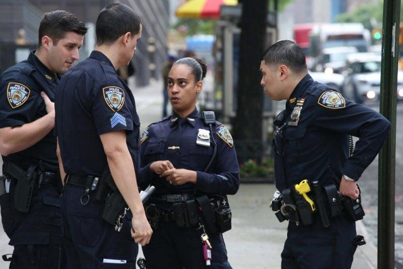 În ciuda protestelor, 81% din persoanelor de culoare din America nu doresc mai puțină poliție pe străzi – sondaj