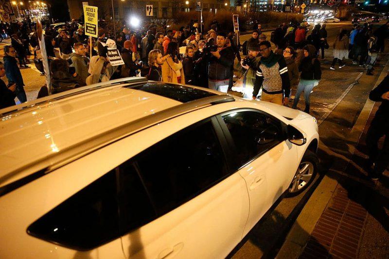 Guvernatorul Floridei propune o lege pentru protejarea șoferilor care încearcă să scape de mulțimile anarhiste