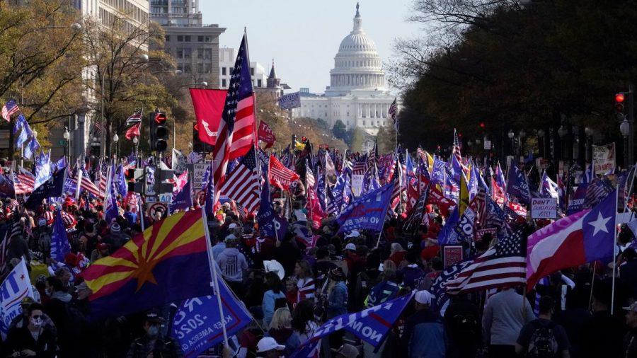 Trump îi îndeamnă pe susținătorii săi să se strângă în D.C. pe 6 ianuarie