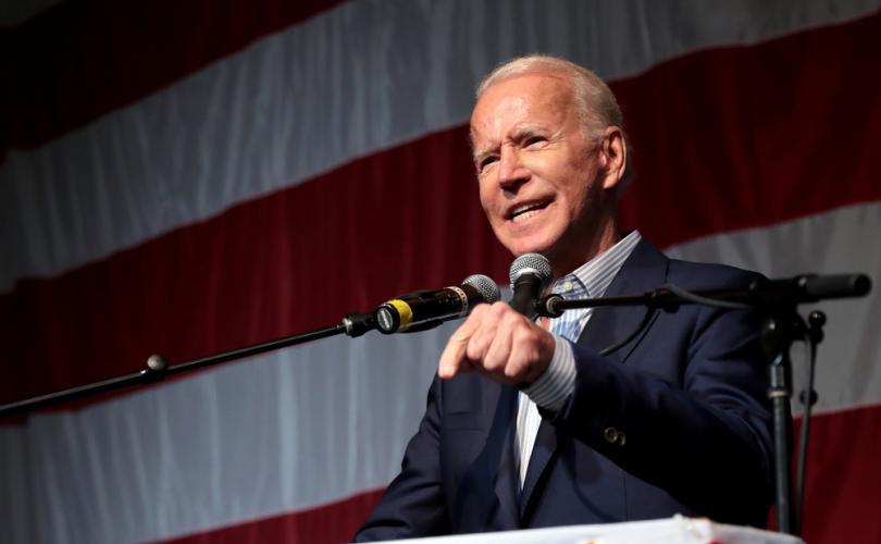 """Joe Biden: """"Nu poți emite legi prin ordine executive decât dacă ești un dictator!"""""""